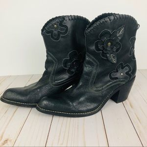 Daisy women's Black leather cowboy boots size 10